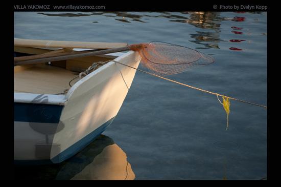 Foto: Fischerboot in Kekova - Photo by Evelyn Kopp Villa Yakomoz, Ferienhaus mit Pool und Meerblick in Kas, Lykische Küste der Türkei
